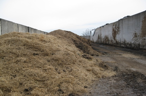 Static compost piles are ideal for mortality composting